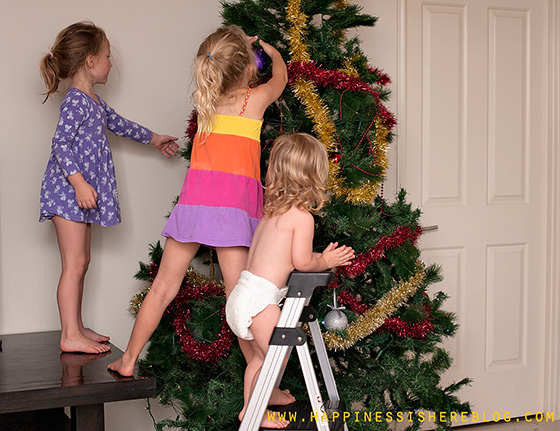 Let the KIDS decorate this Christmas